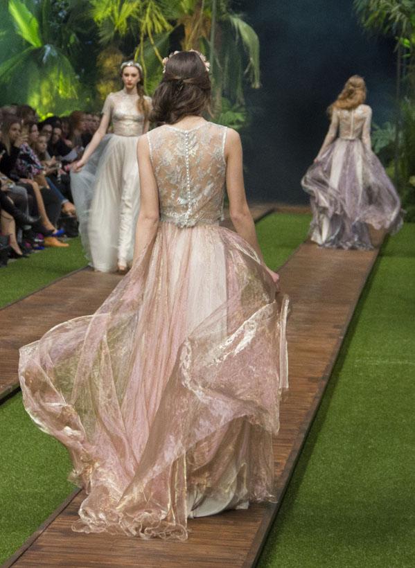 10_dalaarna_menyasszonyi ruha