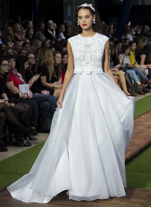 11_dalaarna_menyasszonyi ruha