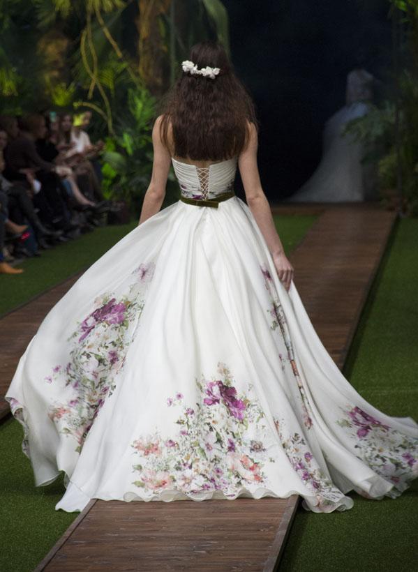 25_dalaarna_menyasszonyi ruha